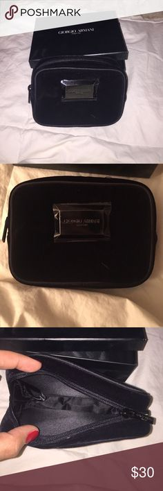 Giorgio Armani Parfum Case Velvet makeup bag, brand new never been used Giorgio Armani Bags Cosmetic Bags & Cases