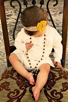 darling headband!!! love stitched is having a one day sale 1/25/12 for 30% off everything! use code :cyber30 to save!!!