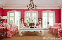 As you know, I have been obsessed with pink Palm Beach homes lately, and this Palm Beach vacation home, featured in the June issue of Traditional Home, is the cherry on my sundae. Owned by interior…