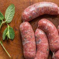 Texas Sausage Recipe, Pork Sausage Recipes, Homemade Sausage Recipes, Goat Recipes, How To Make Sausage, Sausage Making, Luncheon Meat Recipe, Ground Lamb Recipes, Party