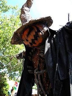 Pumpkin Rot scarecrow at Peddler's Village