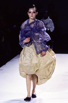 Comme des Garçons Spring 1997 Ready-to-Wear Fashion Show