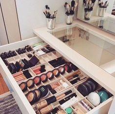 Cool Makeup Storage Ideas That Will Save Your Time - Schminktisch Ideen - Beauty Room Makeup Storage Closet, Makeup Organization, Closet Organization, Closet Vanity, Dresser Storage, Makeup Storage In Bathroom, Makeup Storage Table, Makeup Storage Furniture, Makeup Storage Hacks