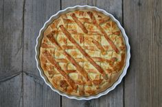 What is the best pie to have in Autumn? Give us an sinus-clearing steaming, aromatic apple pie any day of the week!