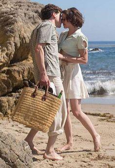 Kristen Stewart and Jesse Eisenberg share a kiss in Cafe Society Woody Allen, Kristen Stewart, Period Movies, Period Dramas, Cafe Society Movie, Blake Lively, Costume Craze, Masterpiece Theater, Summer Story