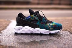 Sneakers femme - Nike Air Huarache Premium Pendleton ID Pump Sneakers, Pump Shoes, Sneakers Nike, Nike Air Huarache, Basket Style, Baskets Nike, Nike Id, Nike Shoes Outlet, Huaraches