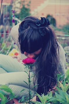 today, i will take the time to stop and smell the flowers X ღɱɧღ