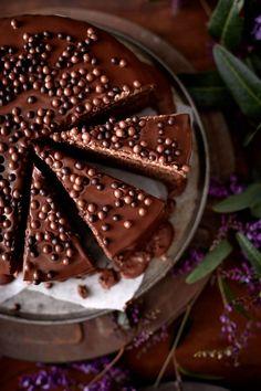 ... chocolate truffle cake with chestnut cream and ganache ...