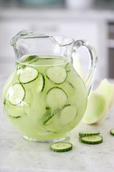 A spa favorite...cucumber water...a refreshing fragrance note found in Aesthetic Content's Sereno Seas Luxury Scented Candle