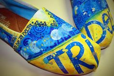 Tri Delta Toms  ~  uuuummmm i want these. now.
