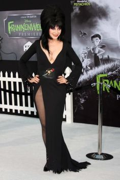 Dark Beauty, Gothic Beauty, Beautiful Celebrities, Gorgeous Women, Elvira Movies, Cassandra Peterson, Goth Women, Hot Cheerleaders, Bride Of Frankenstein