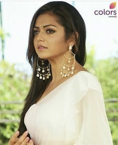 Drashti in silsila Traditional Looks, Traditional Dresses, Beautiful Indian Actress, Beautiful Bride, Bollywood Fashion, Bollywood Actress, Beauty And Beast Quotes, Sarees For Girls, Drashti Dhami