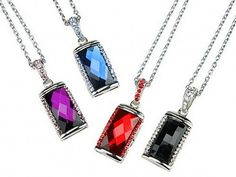 WEIRD NEWS: Strange Jewelry Pieces Flash Drive Necklace