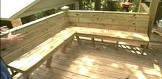 to Add Built-in Seating to a Deck Find out how to build a built-in corner bench on your deck from treated lumber.Find out how to build a built-in corner bench on your deck from treated lumber. Deck Bench Seating, Diy Bench Seat, Corner Seating, Built In Seating, Built In Bench, Garden Seating, Outdoor Seating, Patio Bench, Seating Plans