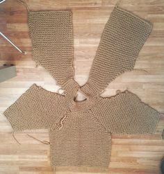 Patrón maxi chaqueta de lana.  Montar la chaqueta y levantar el cuello.