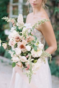 """From the editorial, """"European Summer Elopement At Redleaf In The Hunter Valley Australia"""". @opulenteventsau styled the day intending to bring in elements of the venue and the surrounding area for an organic feel, while beautiful blooms by @floral_collective_ upped the charm and romance. 