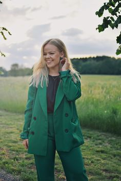 Green Suit, Raincoat, Suits, Jackets, Collection, Fashion, Rain Jacket, Down Jackets, Moda
