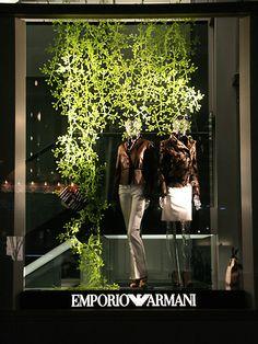 Visual: EMPORIO ARMANI - Vidrieras de Tokyo