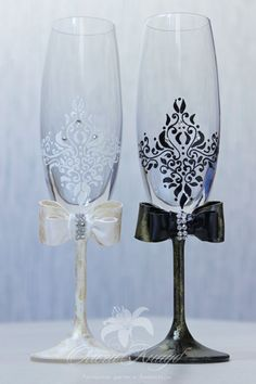 Wedding glasses, Swarovski Crystal, champagne flutes, LACE wedding bride and groom glasses, Personalized Wedding glasses,