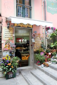 Focaccia shop in Riomaggore main street - 6 Local Foods to try in Cinque Terre, Italy