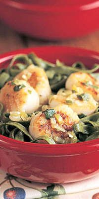 Basil Scallops with Spinach Fettuccine  - Choose high-fiber whole grain pasta to reduce the impact on your blood sugar.