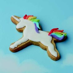 """My Cake Decorating Australia on Instagram: """"This unicorn cookie is making us happy this #Tuesday! Here's a top tip, when baked, place your cutter the right way up on the cookie, then…"""" Cut Out Cookies, Iced Cookies, Royal Icing Cookies, Yummy Cookies, Sugar Cookies, Baking Cookies, Baby Cookies, Unicornio Cookies, Unicorn Food"""