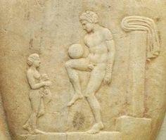 """(Επιτύμβια στήλη 4ος αιών π.Χ. , Εθνικό Αρχαιολογικό Μουσείο Αθηνών)  Επίσκυρος:"""" ό, παιδιά τις, διά σφαίρας"""", """" ό, μέ ..."""