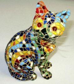 Al más puro estilo Gaudí de Barcelona!  #cats #gatos #figuras #gracioso #funny