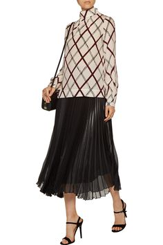 Shop on-sale Oscar de la Renta Printed silk turtleneck top. Browse other discount designer Tops & more on The Most Fashionable Fashion Outlet, THE OUTNET.COM