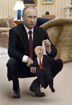 Hilariously Brutal Memes Trolling Donald Trump After His Recent Meeting With Putin Satire, Caricatures, Tiny Trump, Donald Trump, Beste Comics, Twisted Humor, Helsinki, American History, Presidents