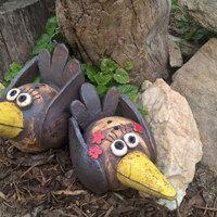 Zahradní doplňky / Keramika | Fler.cz Garden Totems, Garden Sculpture, Pottery Classes, Clay Animals, Paper Mache, Rock Art, Bird Houses, Zentangle, Birds