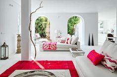 Minimalist and serene style Villa for sale in Sotogrande