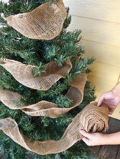 Use burlap in your Christmas tree!