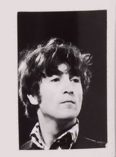 John Lennon Guitar, John Lennon Beatles, Great Bands, Cool Bands, Young John, Photo Souvenir, Les Beatles, Dear John, The Fab Four