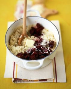 Beet Risotto: Rich in folic acid and vitamin C, beets, which are sweet root vegetables, are a colorful, nutritious addition to the dinner table. Beet Recipes, Recipies, Healthy Recipes, Healthy Options, Delicious Recipes, Healthy Foods, Vegetarian Recipes, Fresh Beets, Martha Stewart Recipes