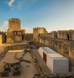 Historic Preservation: COMOCO - Pombal castle renovation, Pombal 2014. Photos (C) Fernando Guerra.
