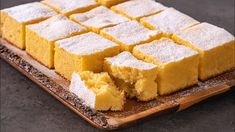 Prajitura cu malai si iaurt No Cook Desserts, Sweets Recipes, Vegan Christmas, Pie Dessert, Sans Gluten, Cornbread, Bakery, Food And Drink, Yummy Food