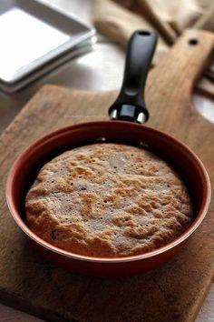 Em menos de 15 minutos você vai poder consumir um saboroso pão de aveia fit de frigideira que fica flexível, macio e é perfeito para dieta.