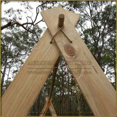 Early medieval Viking A-frame tent for re-enactment living history - The Doctor - Early medieval Viking A-frame tent for re-enactment living history Note roof beam to A-frame detail. Viking Tent, Viking Camp, Larp, Viking House, Viking Life, Tent Camping, Camping Hacks, Campsite, Vikings