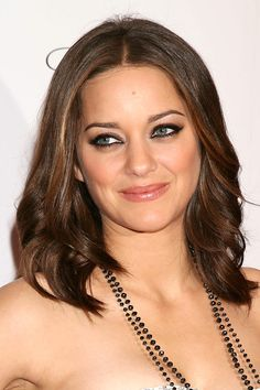 Marion Cotillard - soft shoulder-length waves