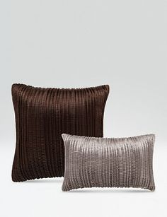Armani Casa // Deluxe Home Creation Upholstery Cushions, Throw Cushions, Bed Pillows, Fabric Rug, Linen Fabric, Linen Bedding, Armani Hotel, Soft Furnishings, Luxury Furniture