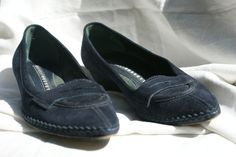 undefined Loafers, Shoes, Fashion, Leather, Shoes For Suits, Blue, Cinderella, Fashion Styles, Travel Shoes
