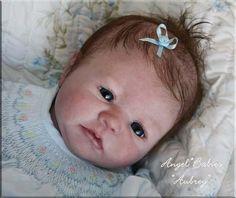 boneca bebê reborn aubrey