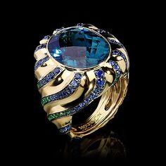 Mousson Atelier, collection New Age - Arizona, Yellow gold 750, London topaz 13,47 ct., Sapphires, Tsavorites