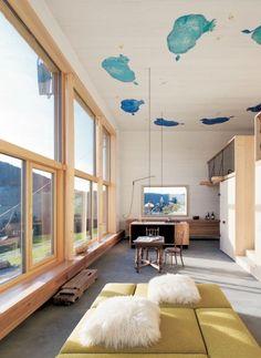 Besonderes Highlight an der Decke: ein Kuh-Gemälde | Georg Bechter Architektur+Design ©Adolf Bereuter, Dornbirn