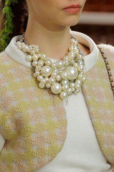 Chanel, Paris,Winter 2015  #pearls