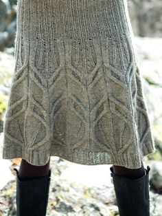 Isn't this knitted skirt gorgeous?! One day I will make something like this for myself!