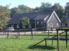 Prefab Garages, Tuile, Dream Barn, Stables, Paint Colors, Gazebo, Decoration, Outdoor Structures, Exterior