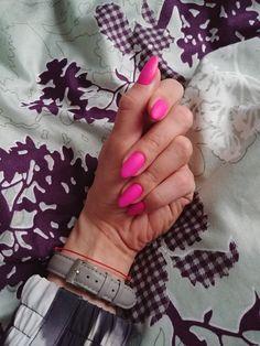 Pink matte nails summer
