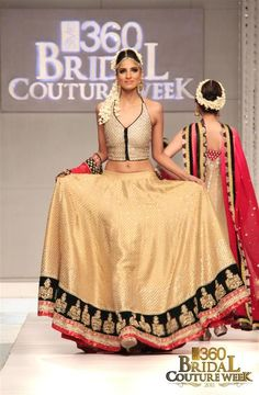 Absolutely love this gold lehenga!